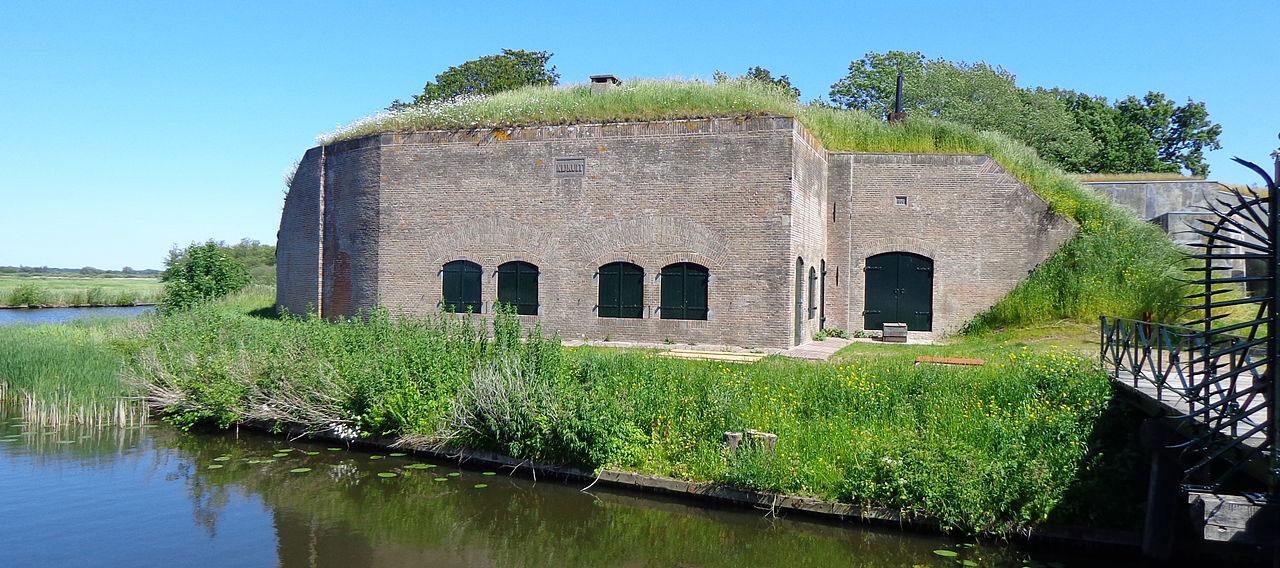 Varen op de loosdrechtse plassen: Fort Kijkuit