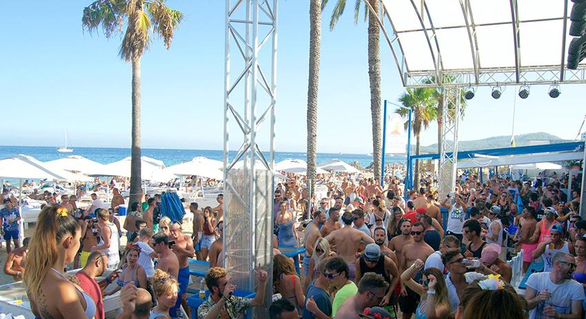 uitgaan op Ibiza Beach club Bora Bora
