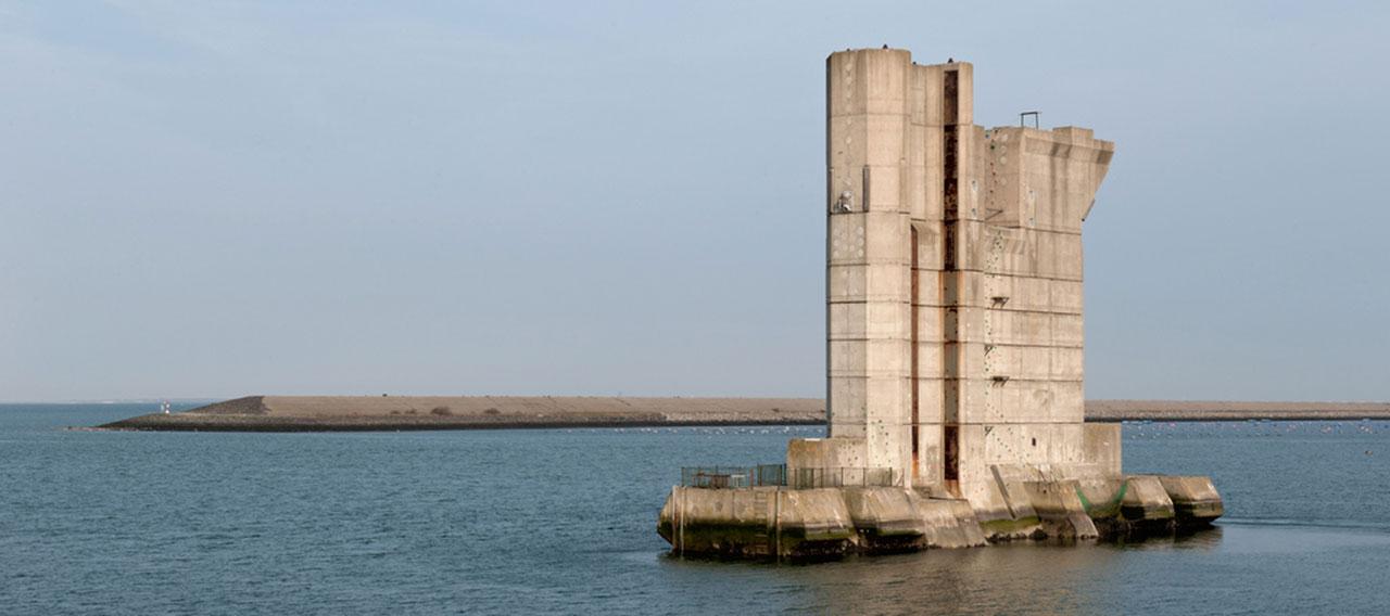 varen in zeeland: pijler klimmer