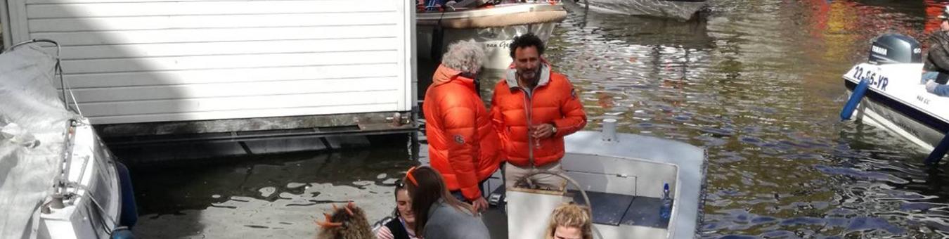 Gerard op zijn boot AJETO!