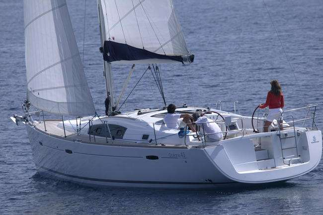 Oceanis 43 for rent in South- Corse