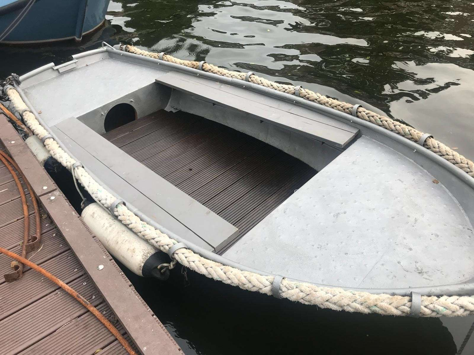 Sloep - Small Boat - 1-6 people - €25 per hour
